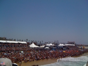Hurley US Open Crowd From Pier
